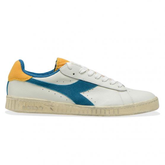 DIADORA GAME LOW USED C8015
