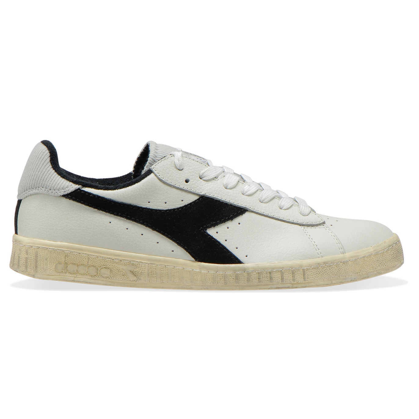 DIADORA GAME LOW USED C0351